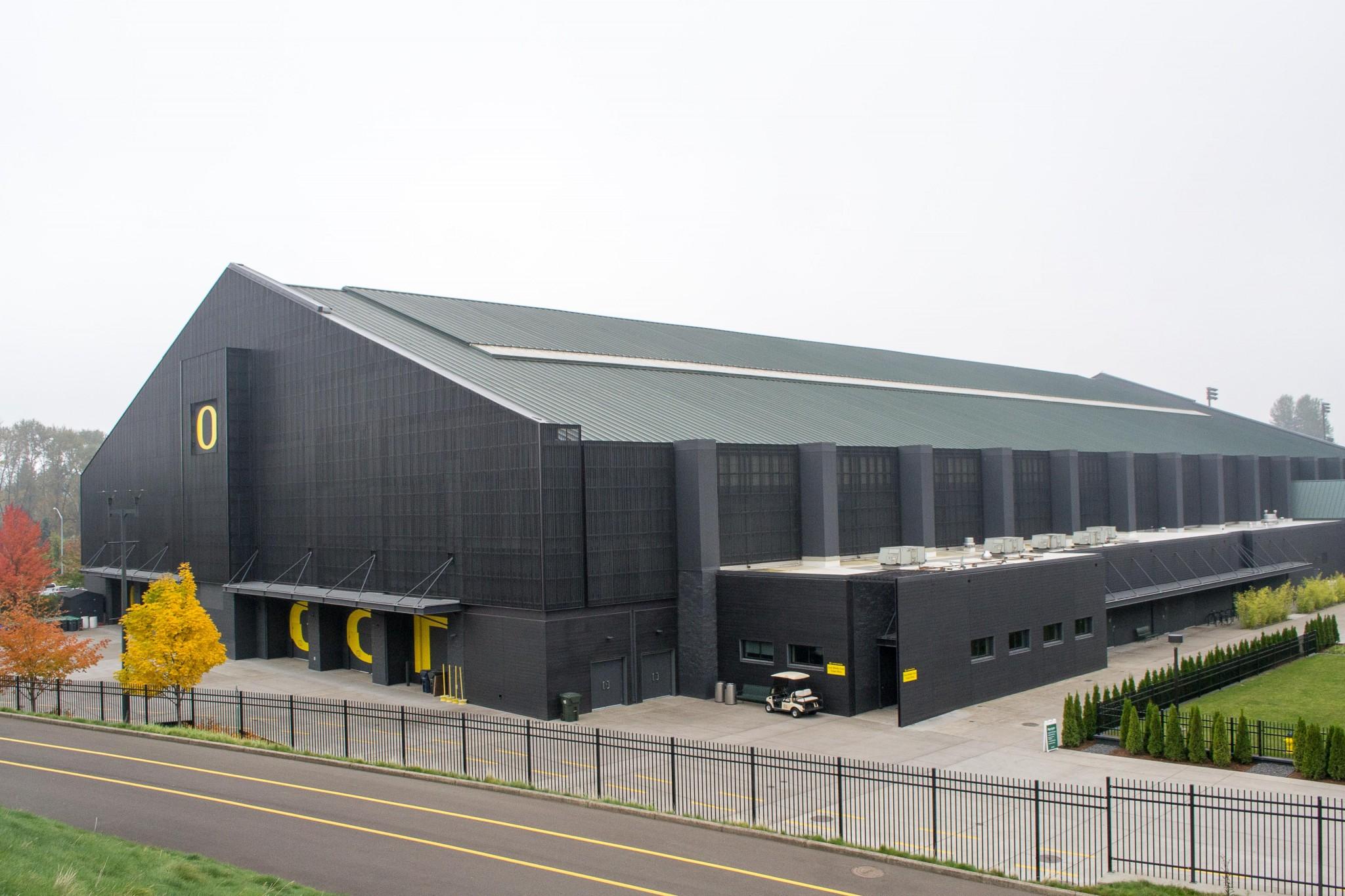 Moshofsky Center - TruGrain Resysta - HDG Building Materials