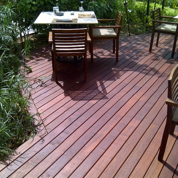Buzon Pedestals and Massaranduba Hardwood Decking
