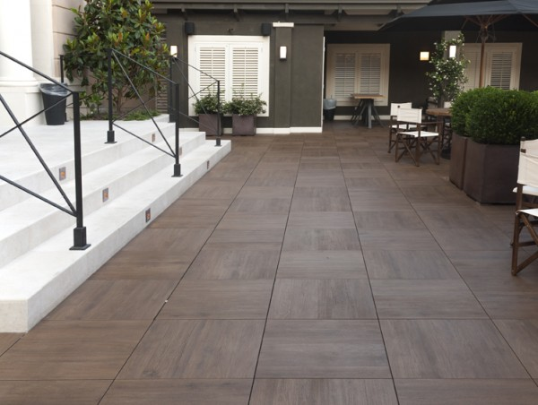 HDG Legno Wood-Finish pavers – Walnut