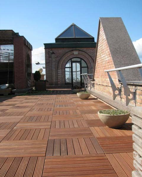 Buzon Pedestals with Hardwood Tiles 2 - HDG Building Materials