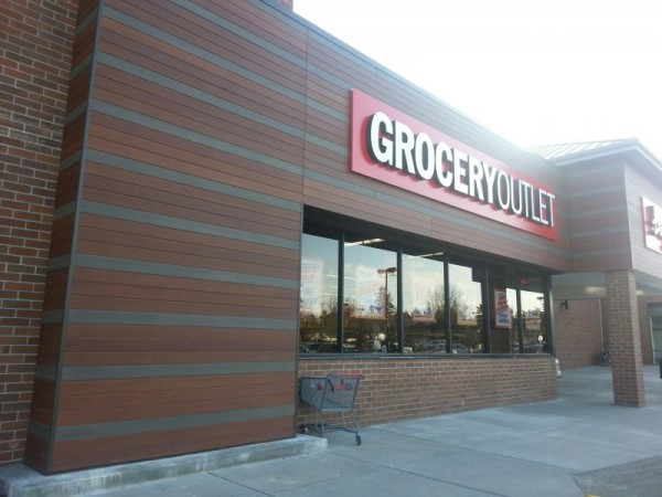 Grocery Outlet - Tru-Grain made with Resysta Facade - HDG Building Materials