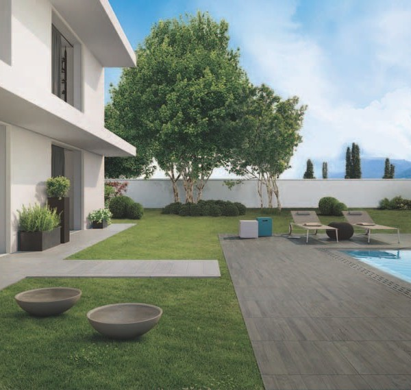 60x60 cm Vintage Grey Porcelain Pavers in Pool Surround Application