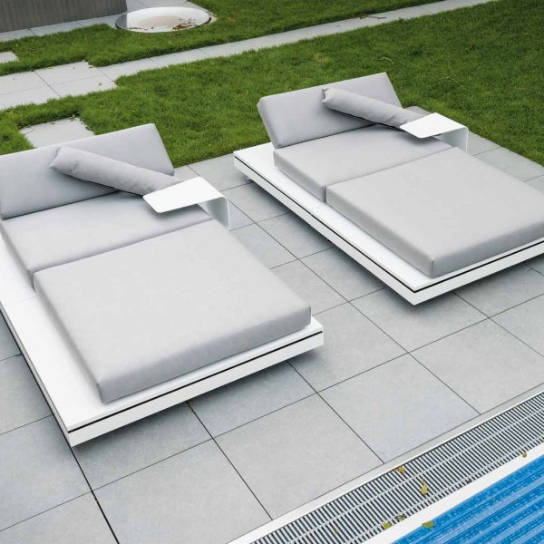 HDG Berona Light 60x60cm Grey Porcelain Paver with Limestone Finish for Pool Surround - HDG Building Materials