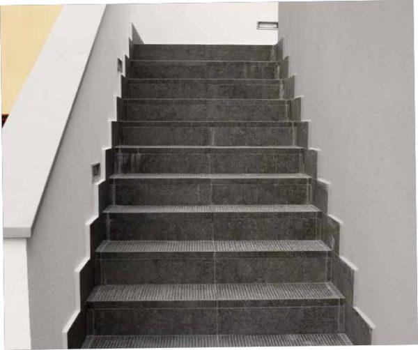 HDG Perlino Grey - Natural Limestone Stairs