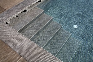 HDG Perlino Grey Limestone Pool Stairs - Natural Stone