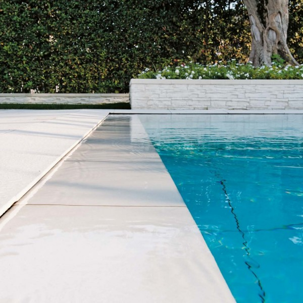 Porcelain Paver Pool Surround with HDG Pavero Cream Porcelain Pavers - HDG Building Materials