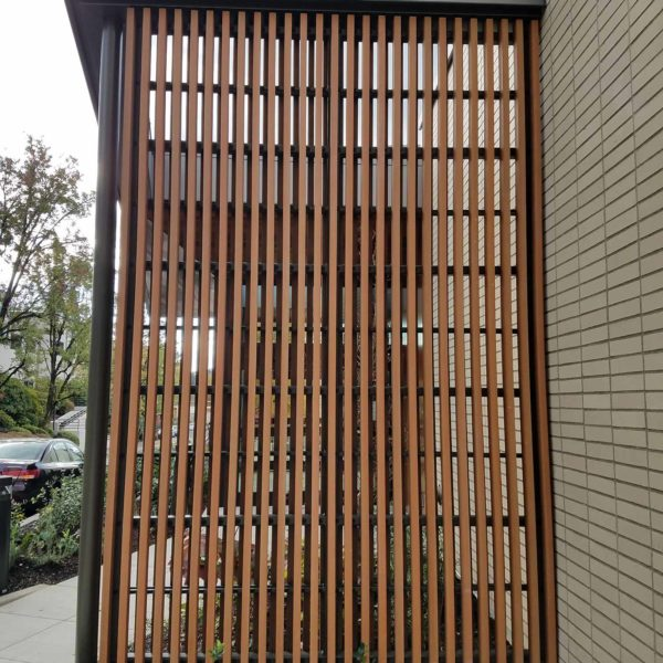 TruGrain Made with Resysta Screen Application - HDG Building Materials