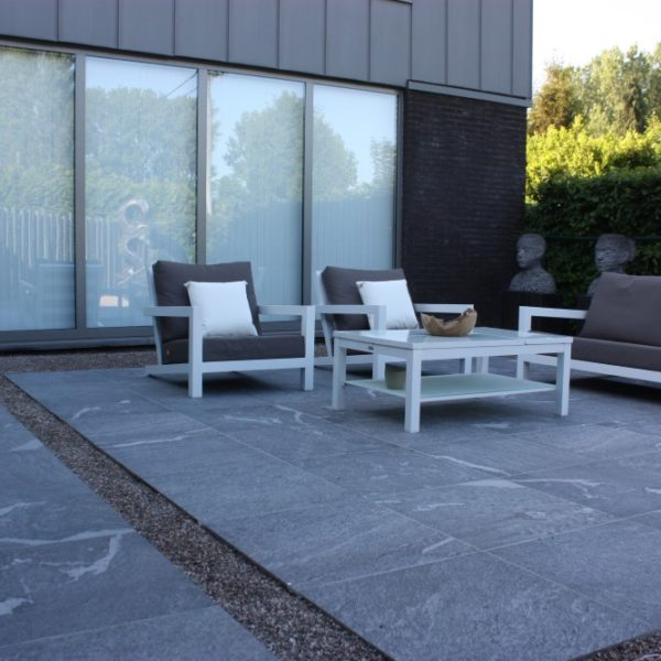 Private Patio Shows Veigning of 3CM HDG Orgami Grey Porcelain Pavers - HDG Building Materials