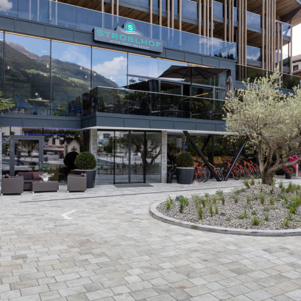 Hotel Srtoblhof Silas Gold 20x20 cm Silas White and Silas Grey 20x30 Porcelain Pavers - HDG Building Materials