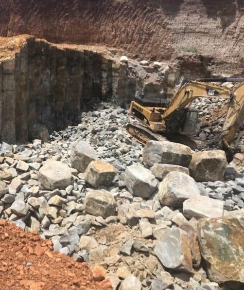 New Poipu Black Basalt Large Quarry Stone Blocks - HDG Building Materials