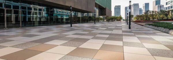 Metro Rust Porcelain Paver Mixed with Metro Brown Metro Tan and Terra Gravel feature