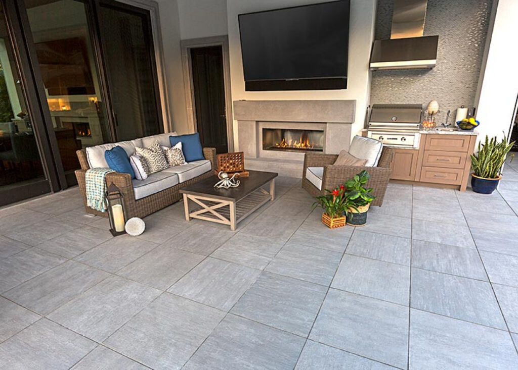 Cromo Porcelain Pavers in Outdoor Living Room Application