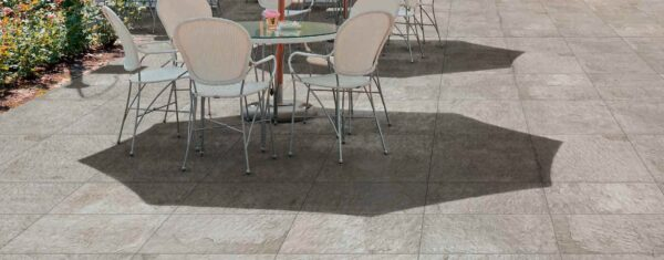 Outdoor Dining Courtyard with Fusa White 30x60 cm and 60x60 cm Porcelain Pavers Feature Image